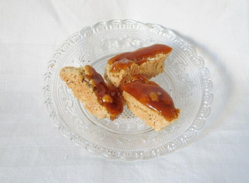 Italienisches Mandelgebäck: Cantuccini mit Karamell