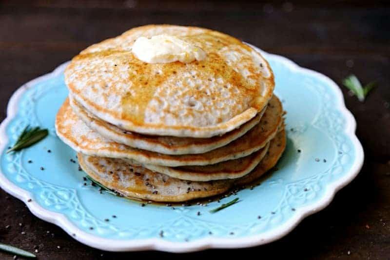 Pfannkuchen mit apfelmus und Chia samen