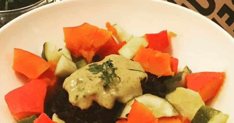 Einfache Gemüsepfanne mit schwarzem Reis – Rezept für den Herbst