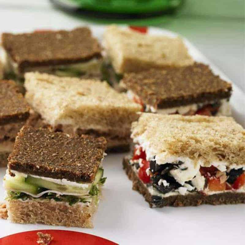 Fingerfood Buffet selber machen Mini sandwiches Rezept