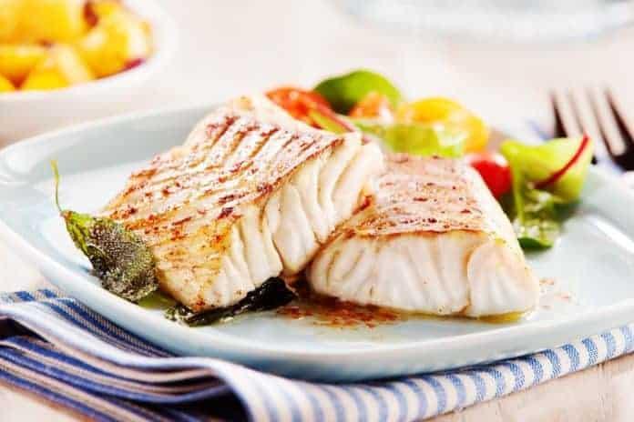 Gemüsepfanne zum Abnehmen mit Fisch – super kalorienarmes Rezept