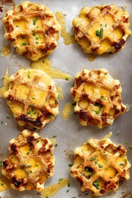Teig für Waffeln ohne Zucker mit Kartoffeln und Käse