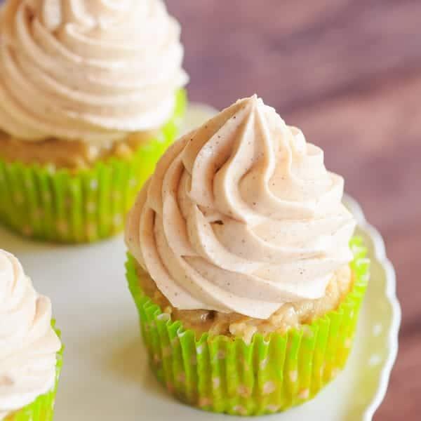 Apfelkuchen mit Frischkäse Glasur – Cupcake Version