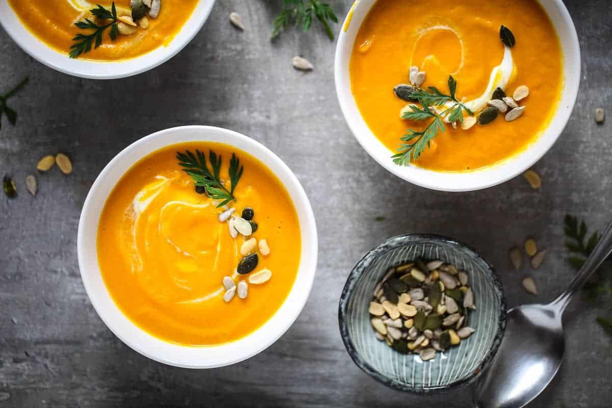 Mexikanische Möhren Ingwer Suppe mit Kokosmilch