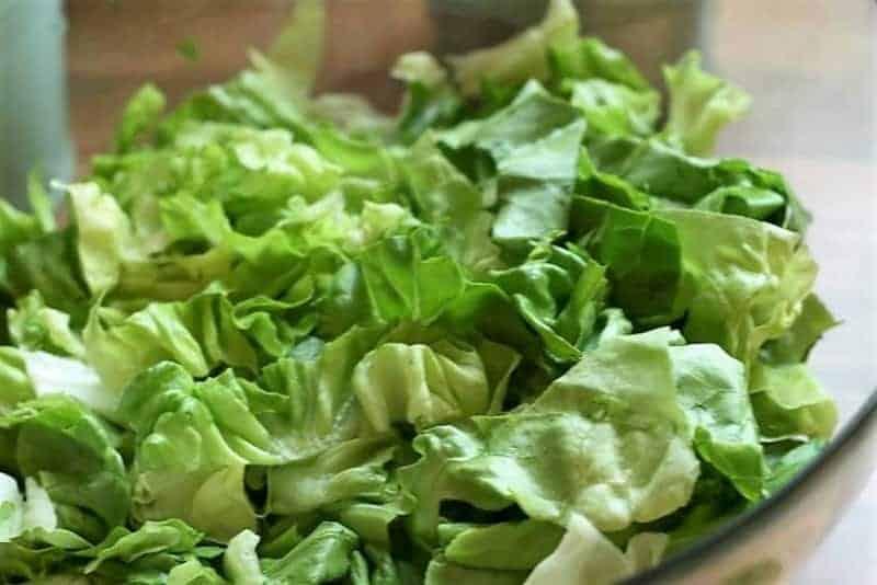 Salat im Glas schichten Blattsalat oberste Schicht