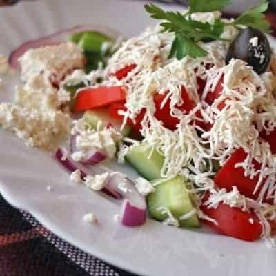 bulgerischer Shopska Salat