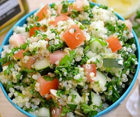 Salat mit Quinoa und Gemüse – Tabouleh Variation