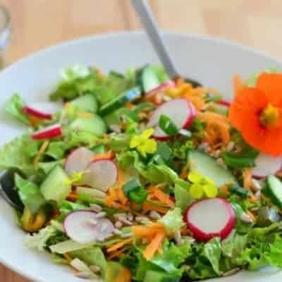 gemischter Salat zubereiten