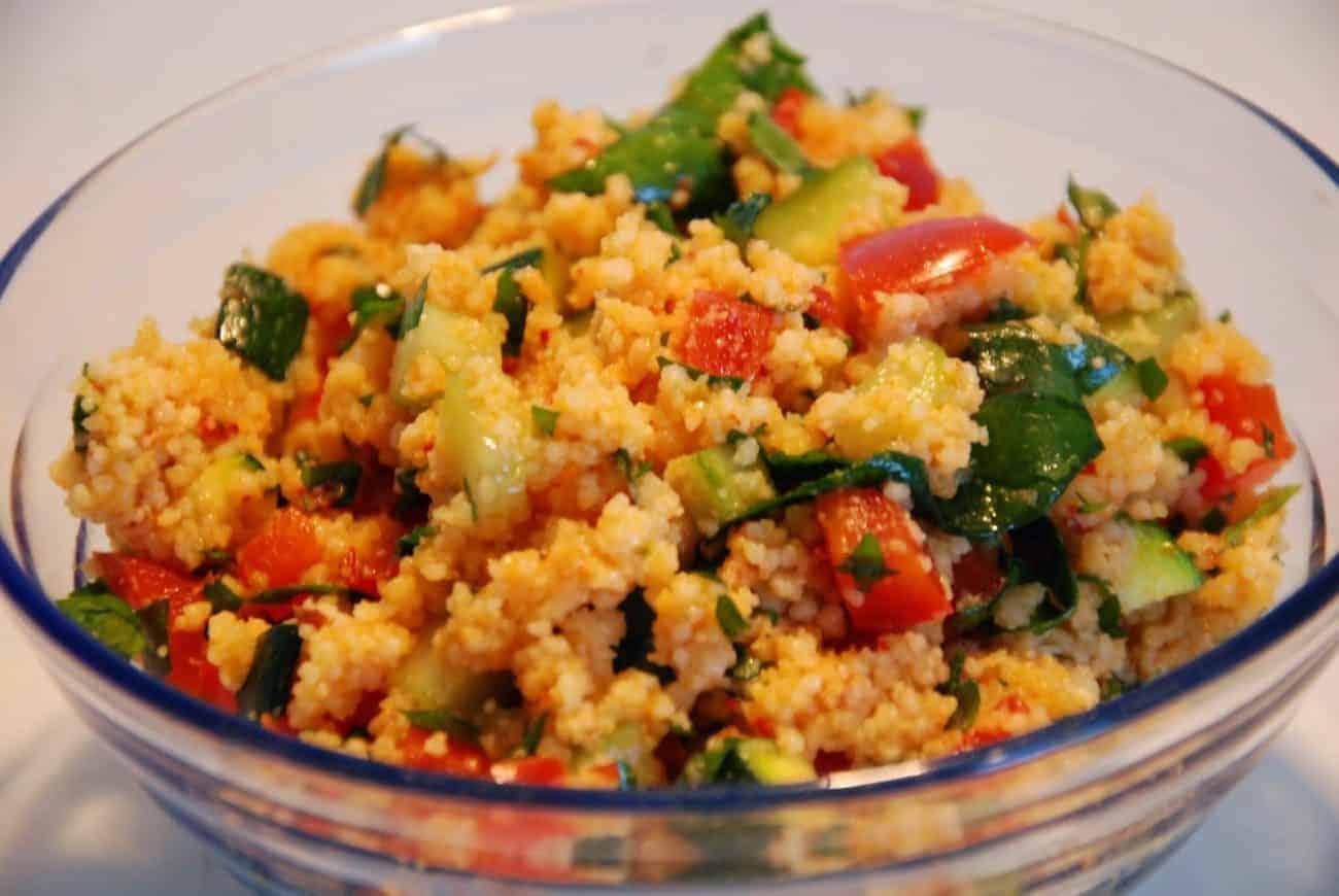 Orientalischer Kuskus Salat mit einer süβ-herben Note