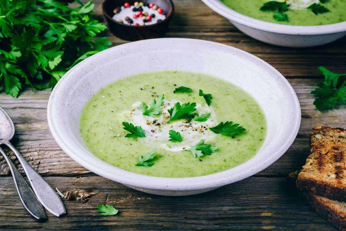 Schnelle pürierte Suppe mit Zucchini und Kartoffeln Die Rezepte