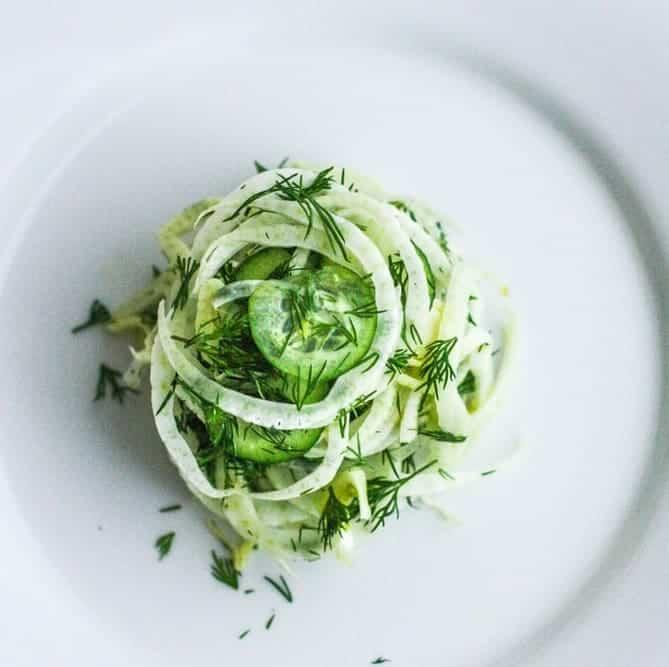 Fenchel Salat mit Gurke – leicht & lecker