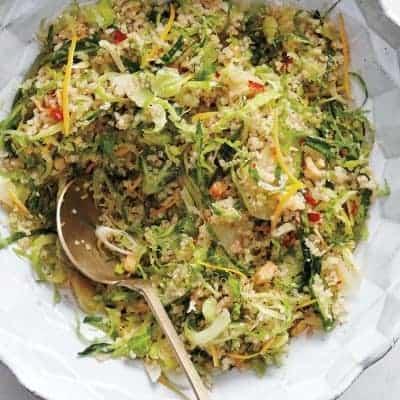 Luzerne Salat mit Quinoa, Gurken und Avocado