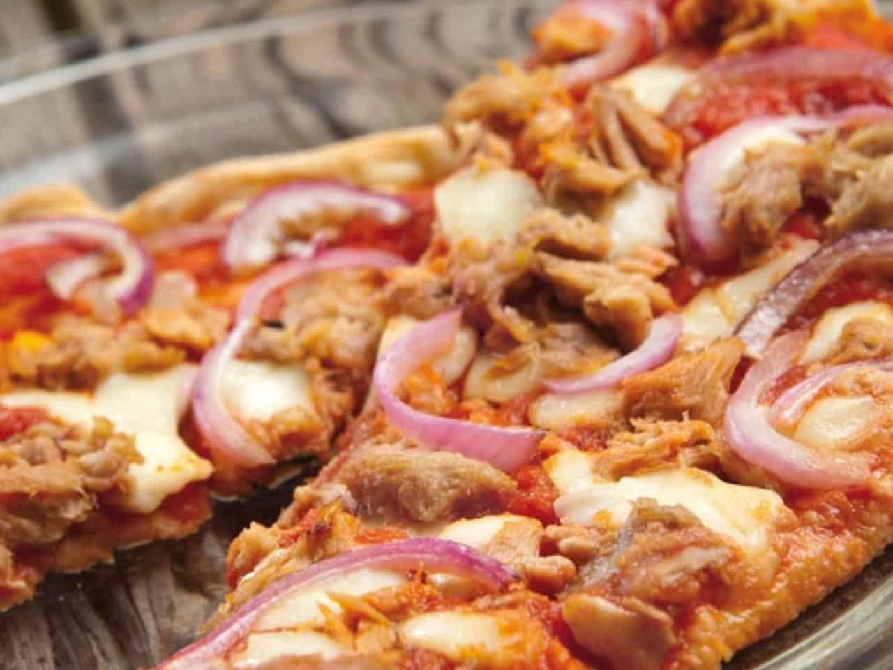 Pizza Tonno Cipolla – einfach die beste Pizza