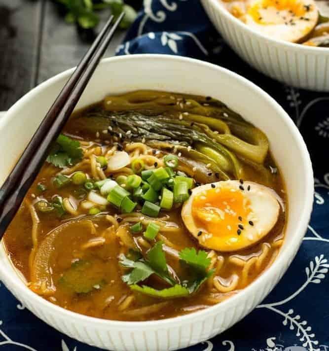 Ramen Suppe mit Hähnchen –schnelles Rezept