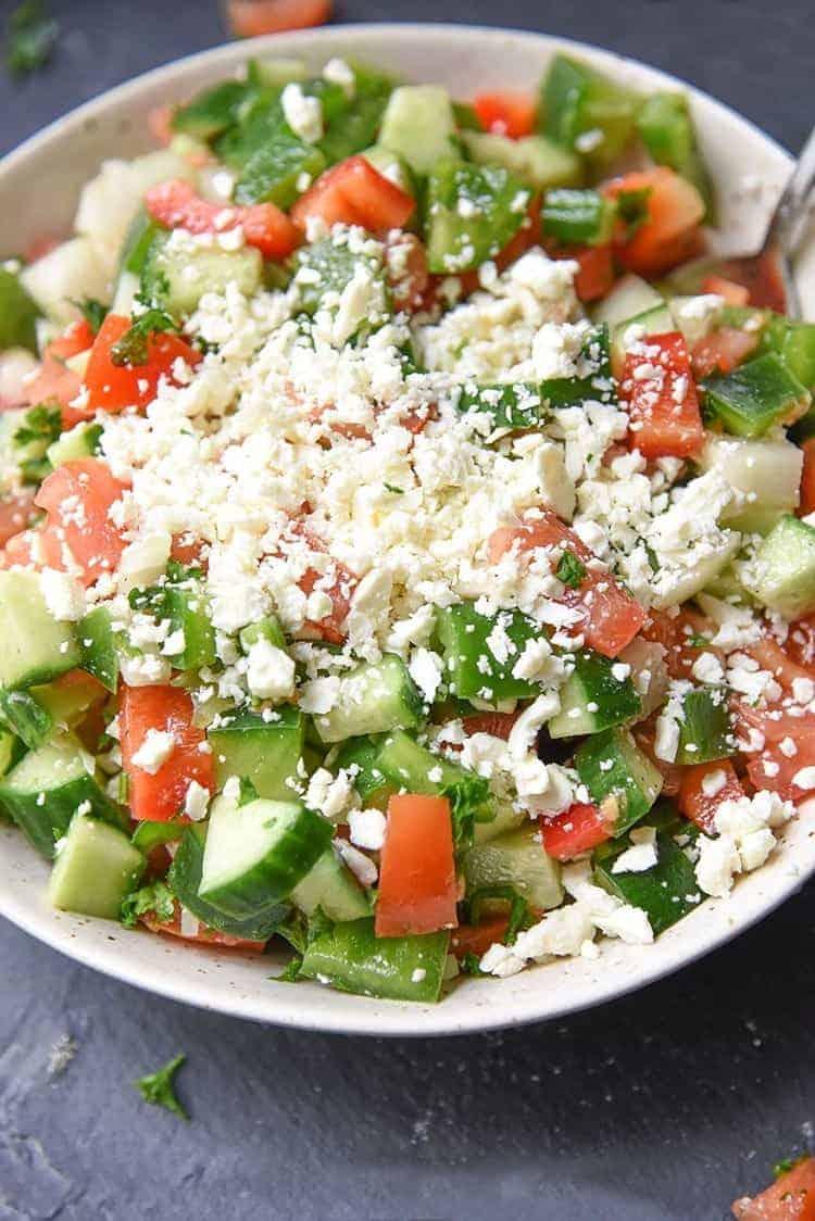 Schopska Salat – der beste Bulgarische Salat