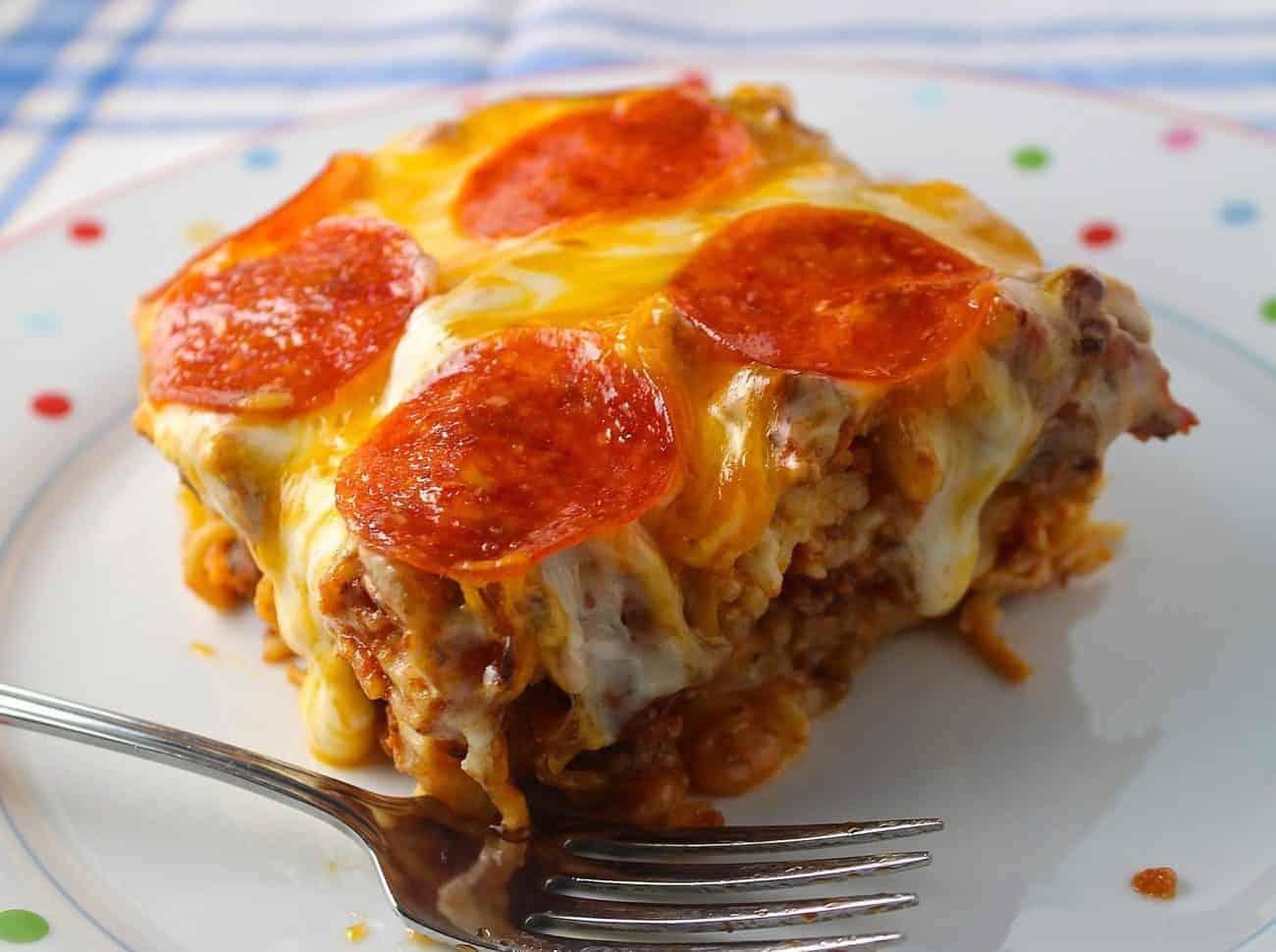 Spaghetti Pizza – zwei Lieblingsgerichte in einem