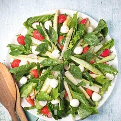 Spargel Erdbeer Salat mit Spinat