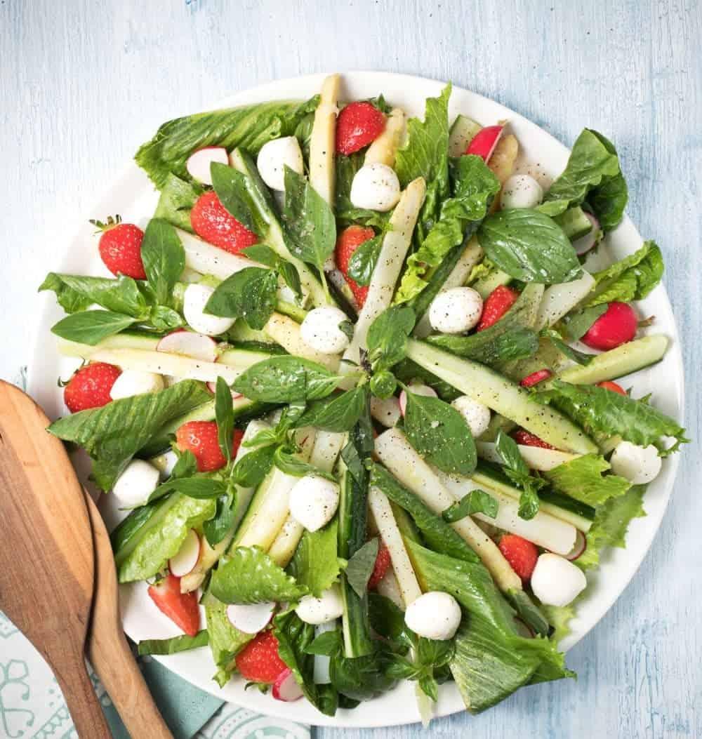 Spargel Erdbeer Salat – genial in 15 MInuten