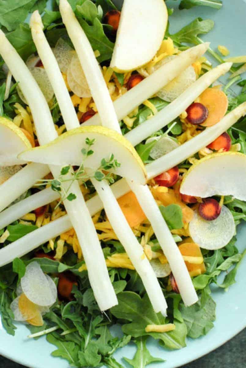 Spargel Salat mit Rucola und Rüben