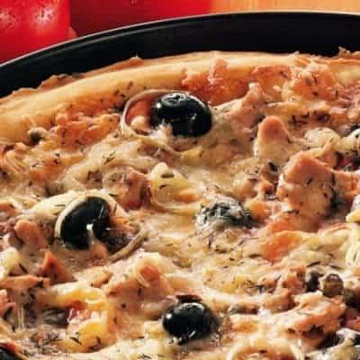 Pizza Calabrese backen
