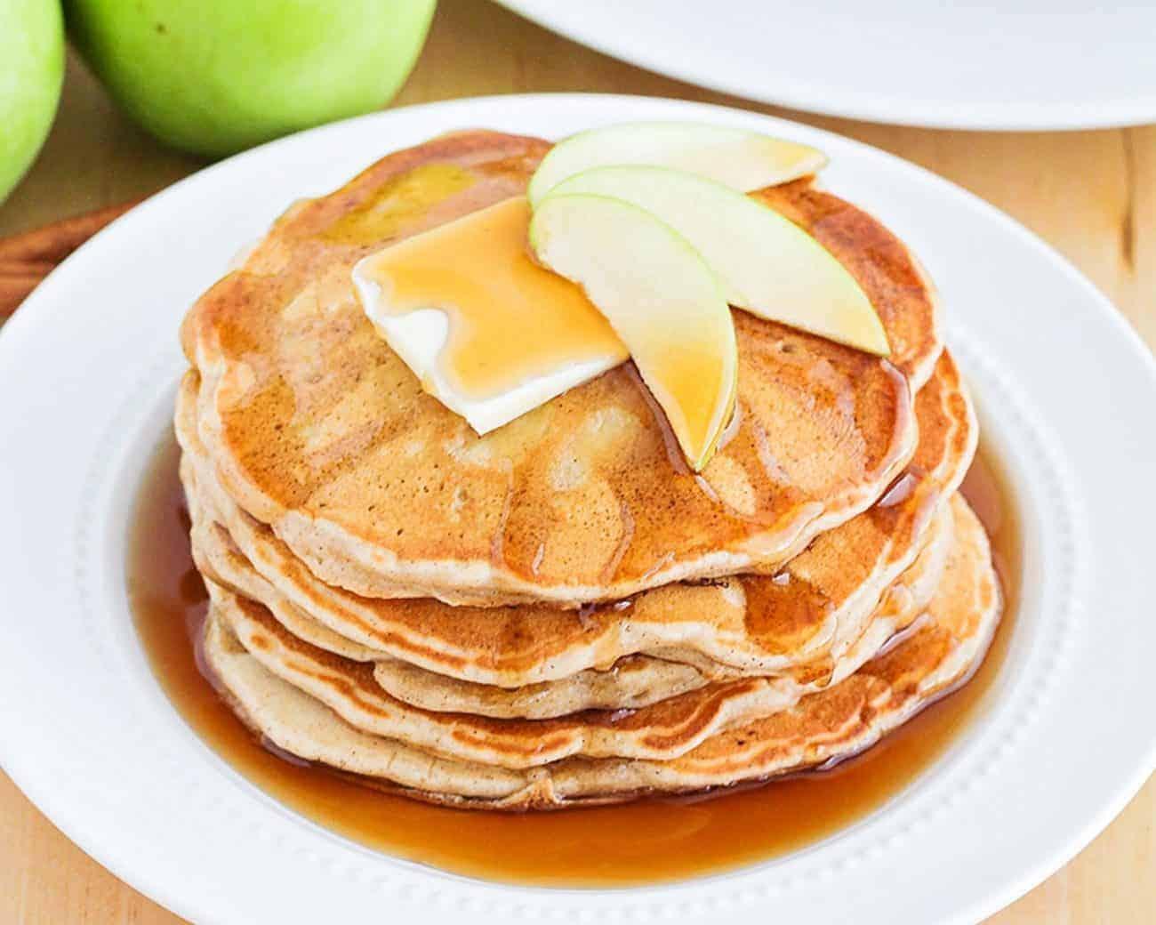 Flauschige Apfelpfannkuchen einfach gemacht