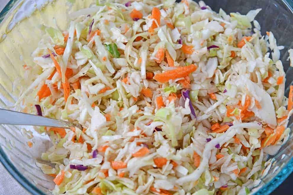 Coleslaw-selbst gemachter Krautsalat. Ein Muss!