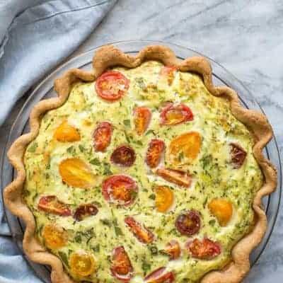 Gemüsequiche mit Tomaten und Zucchini