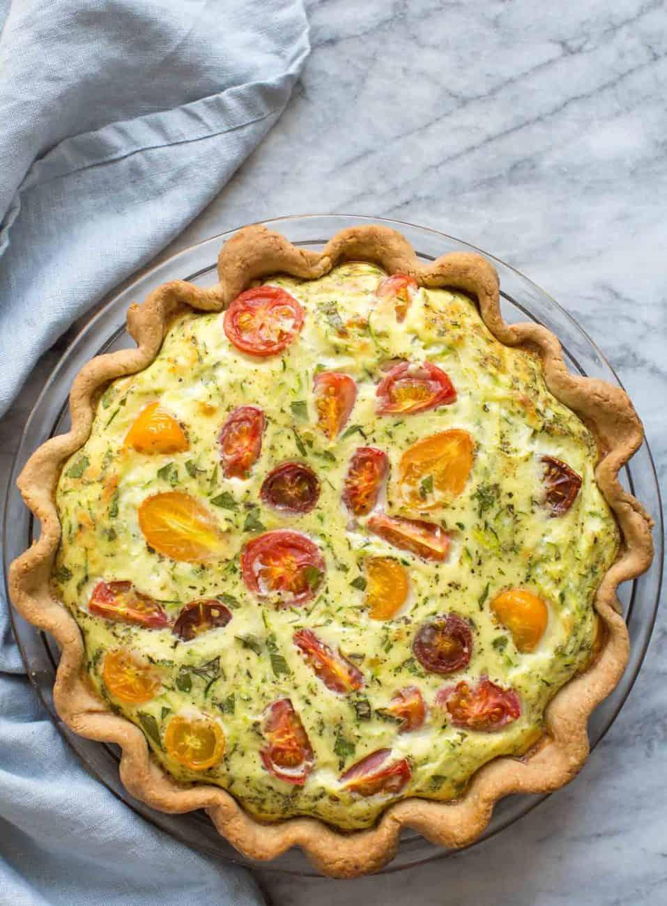 Sommerliche Gemüsequiche mit Zucchini und Tomaten. Einfach fantastisch!