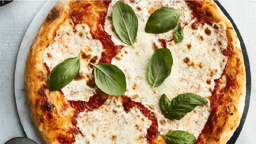 Pizza Mozzarella – Margherita Neapolitanischer Art