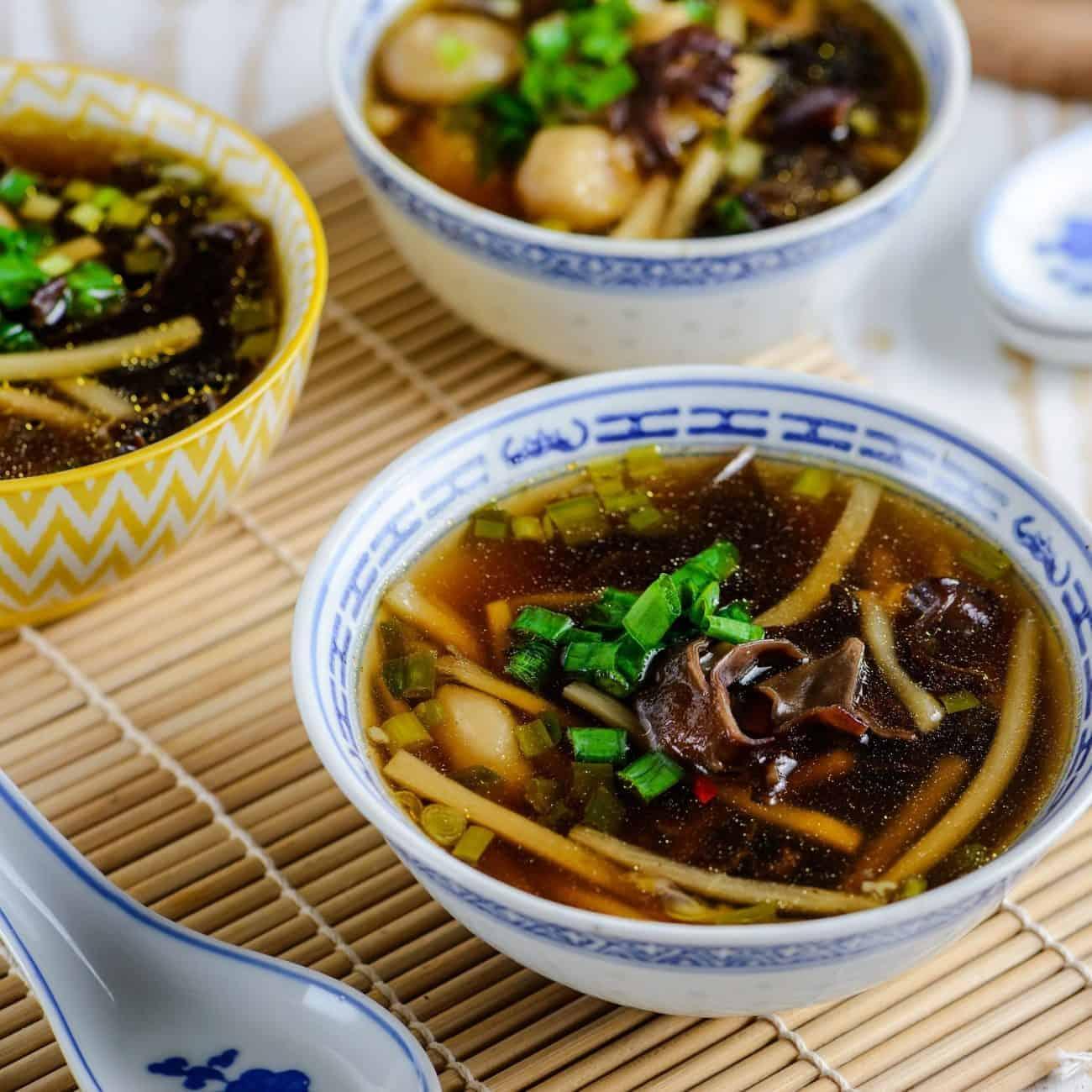 Einfache vegetarische chinesische Suppe! Exzellent !