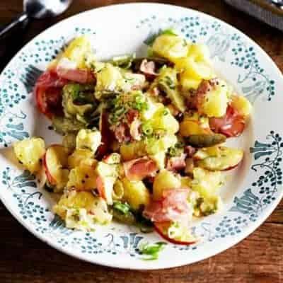 Kartoffelsalat mit Schinken und Käse