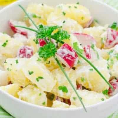 vegetarischer Kartoffelsalat mit Radieschen
