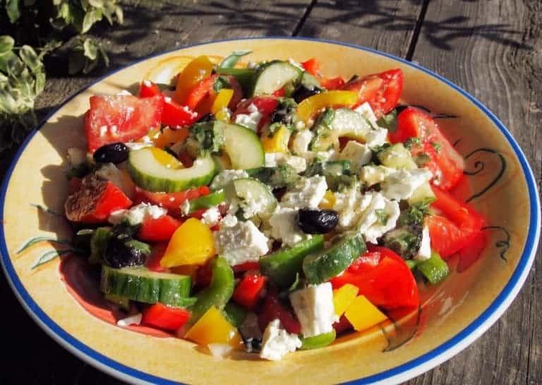Bunter Salat in Rot-Grün-Gelb: lecker