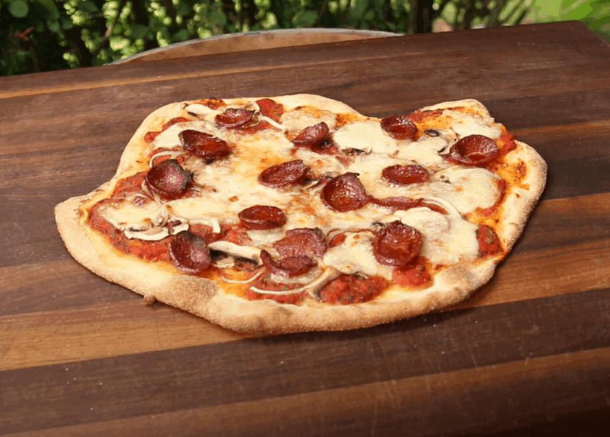 Pizza Sucuk inspiriert vom türkischen Pide