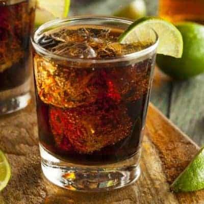 Cuba Libre Cocktails mit Rum