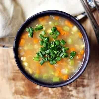 klare-Gemüsesuppe