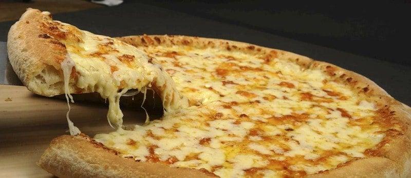 Pizza Quattro Formaggi – ein Rezept für alle Käseliebhaber