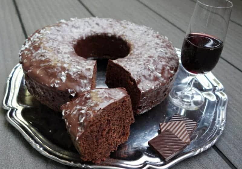 Rotweinkuchen mit Zartbitterschokolade – super saftig und lecker