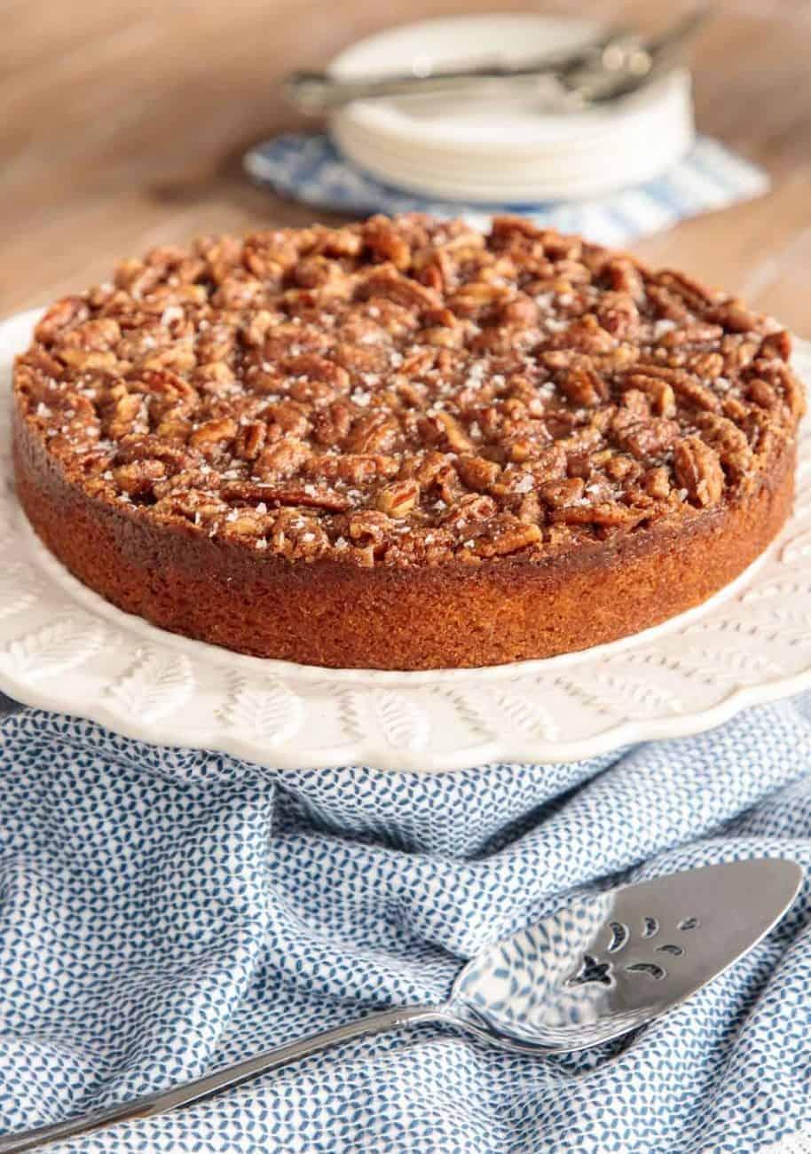 Fabelhafter Buttermilchkuchen mit karamellisiertem Pekannuss-Belag