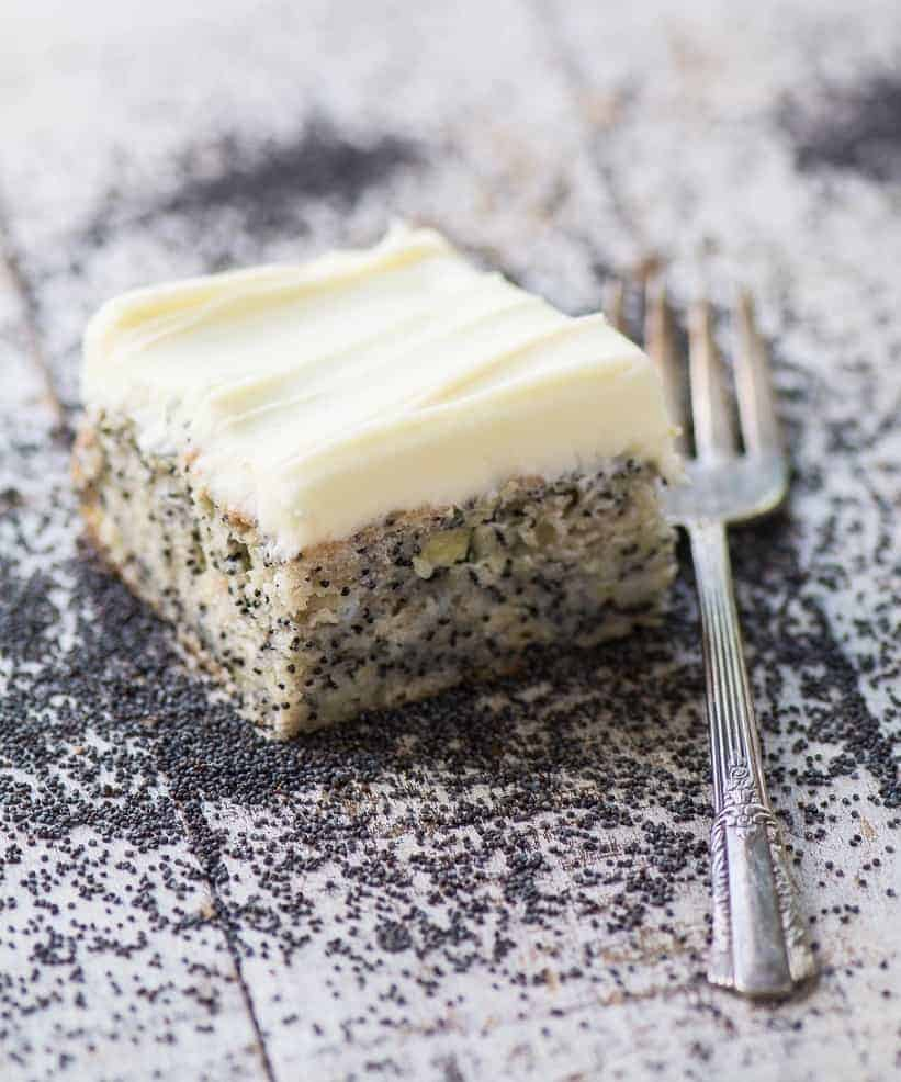 Toller Mohnkuchen mit Zitronen-Butter-Glasur in nur 45 Minuten