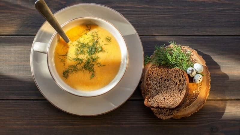 Kürbiscremesuppe mit Dill: das ideale Rezept für die kalten Herbsttage