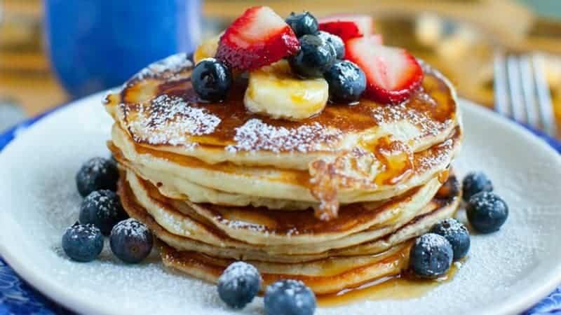 Leichtes und leckeres Pancakes Rezept ohne Milch und Eier