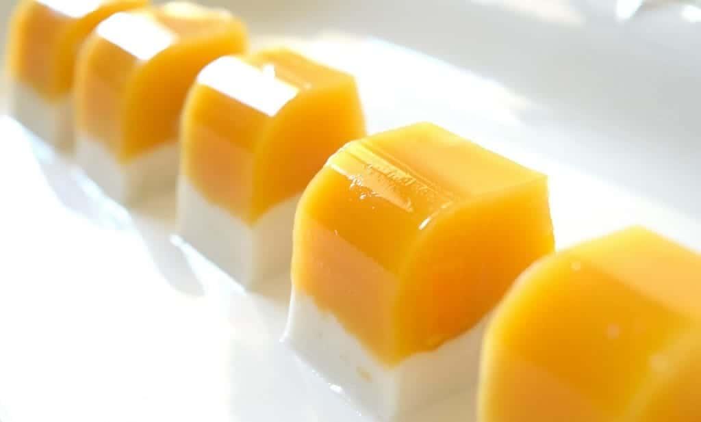 Agar Agar-Kokosnuss-Gelee mit Mango- genial
