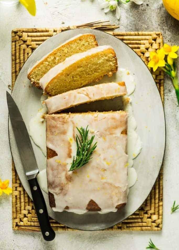 Zitronenkuchen mit Sirup – saftig und lecker