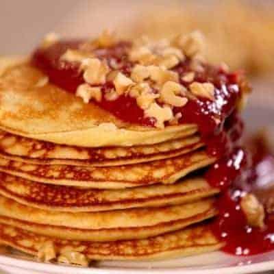 Apfel Pancakes mit Walnüssen