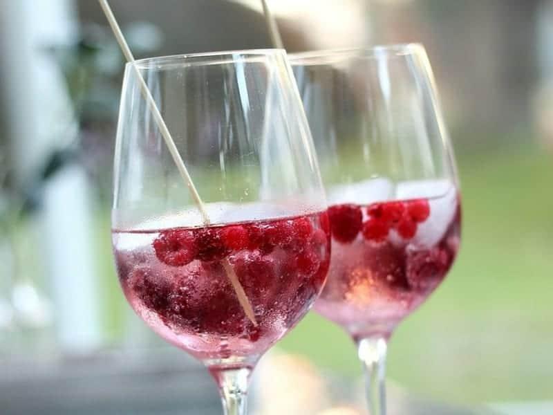 Lillet Wild Berry Cocktail selber zubereiten – erfrischendes Rezept