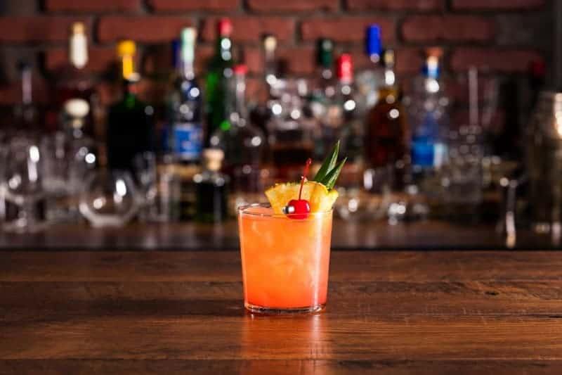 Mai Tai Rezept: der klassische Rumcocktail selber zubereiten