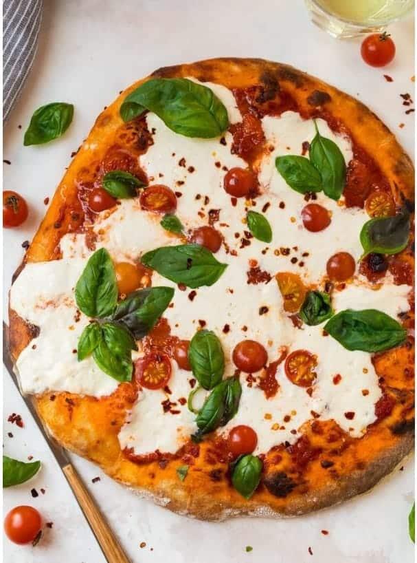 Burrata Pizza – herrliche italienische Köstlichkeit