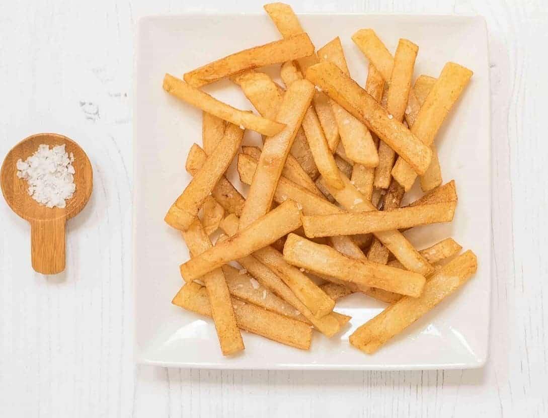 Pommes – lecker und knusprig aus nur 3 Zutaten