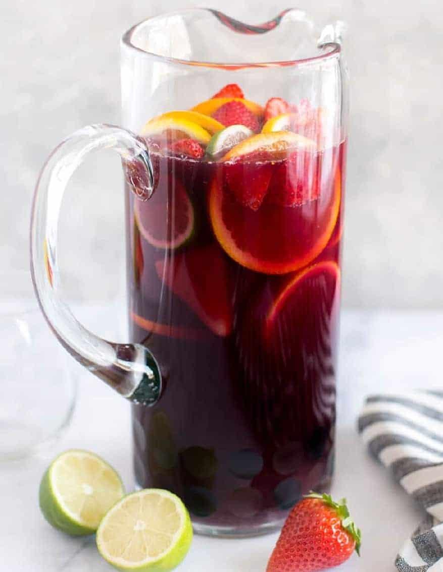 Sangria – ein köstlicher, spanischer Cocktail auf Weinbasis